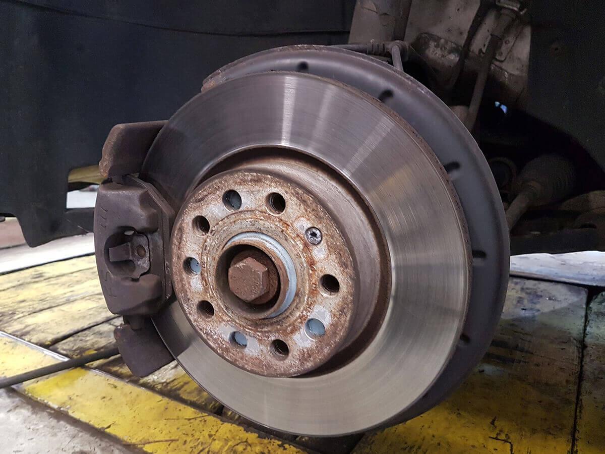 Brakes Service Image